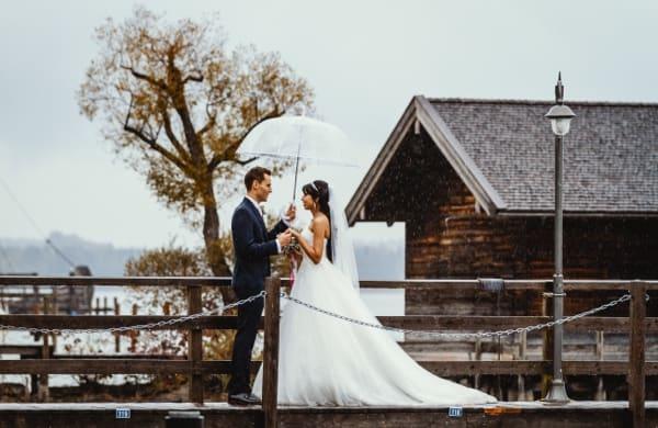 Hochzeitsfotos Regen Chiemsee Herrenchiemsee Steg
