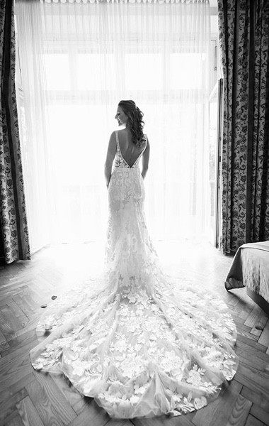 Hochzeitsfotograf Getting Ready Brautkleid